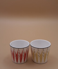 Coquetier en porcelaine rouge